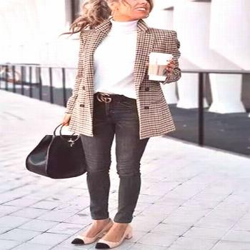 Chic Khaki Suit Blazer Chic Khaki Suit Blazer Need help putting together outfits or building your w